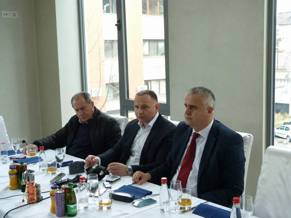 Predsjednik Žurić na radnom doručku sa novinarima