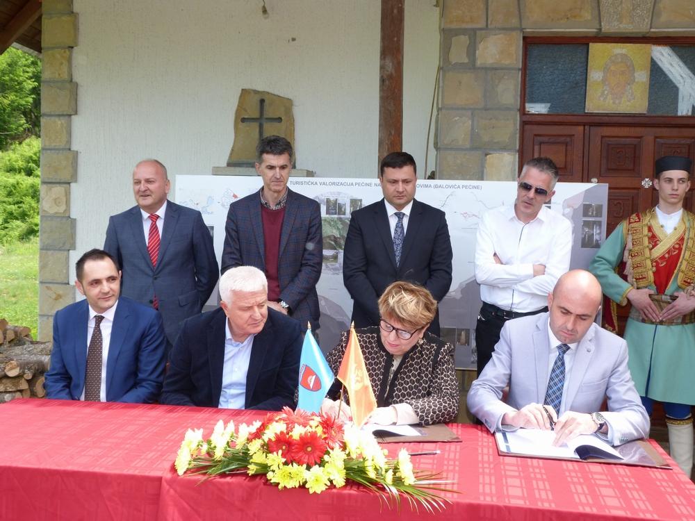 Potpisani ugovori za izgradnju žičare od manastira Podvrh do Đalovića pećine i žičare – šestosjeda na lokaciji Cmiljača