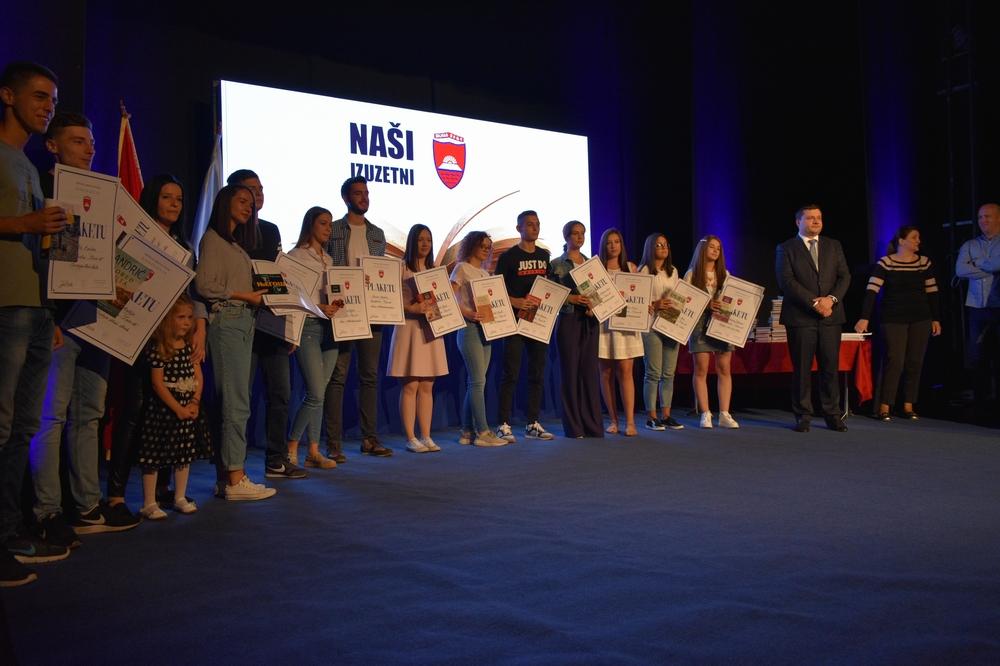 Uručene nagrade najboljim bjelopoljskim učenicima